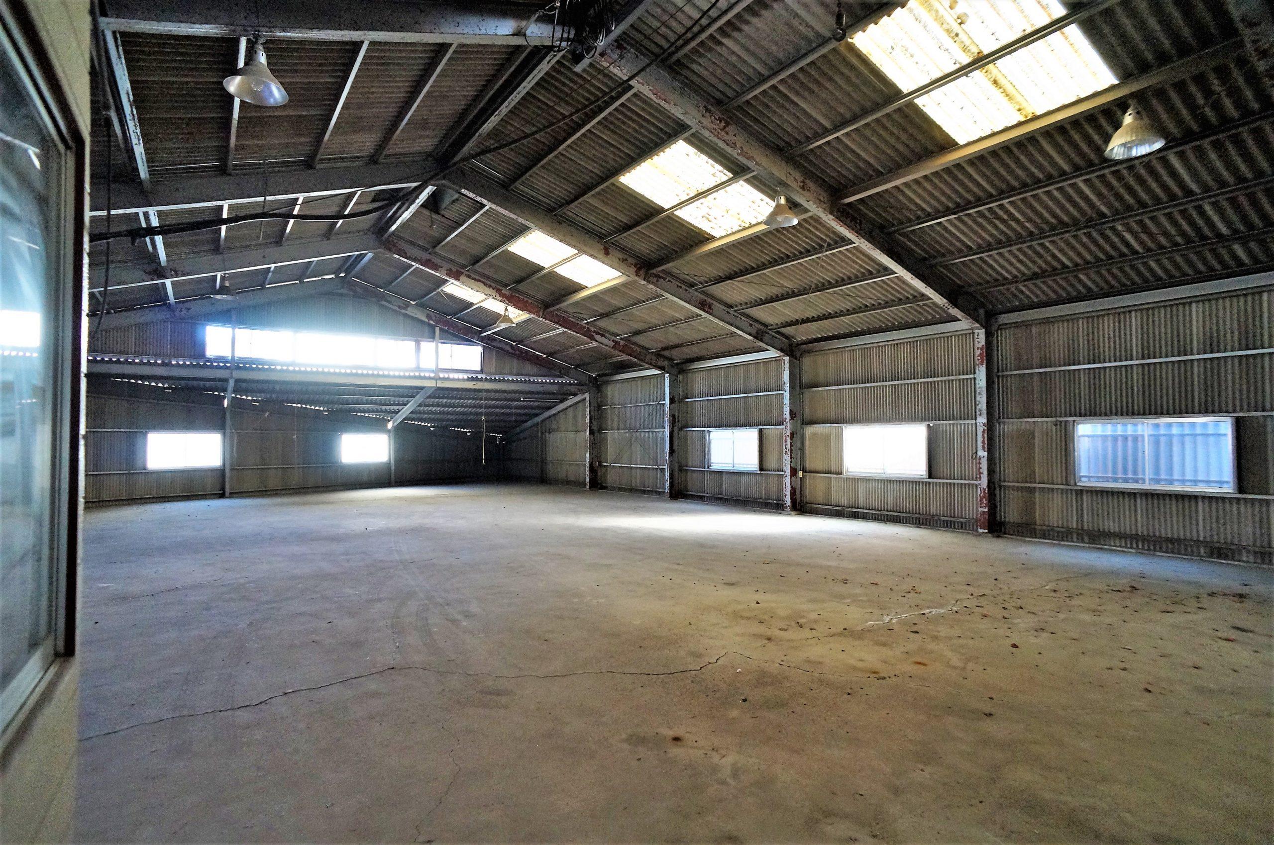 巨大倉庫をどう使うかはあなた次第! 松山市北条売り倉庫
