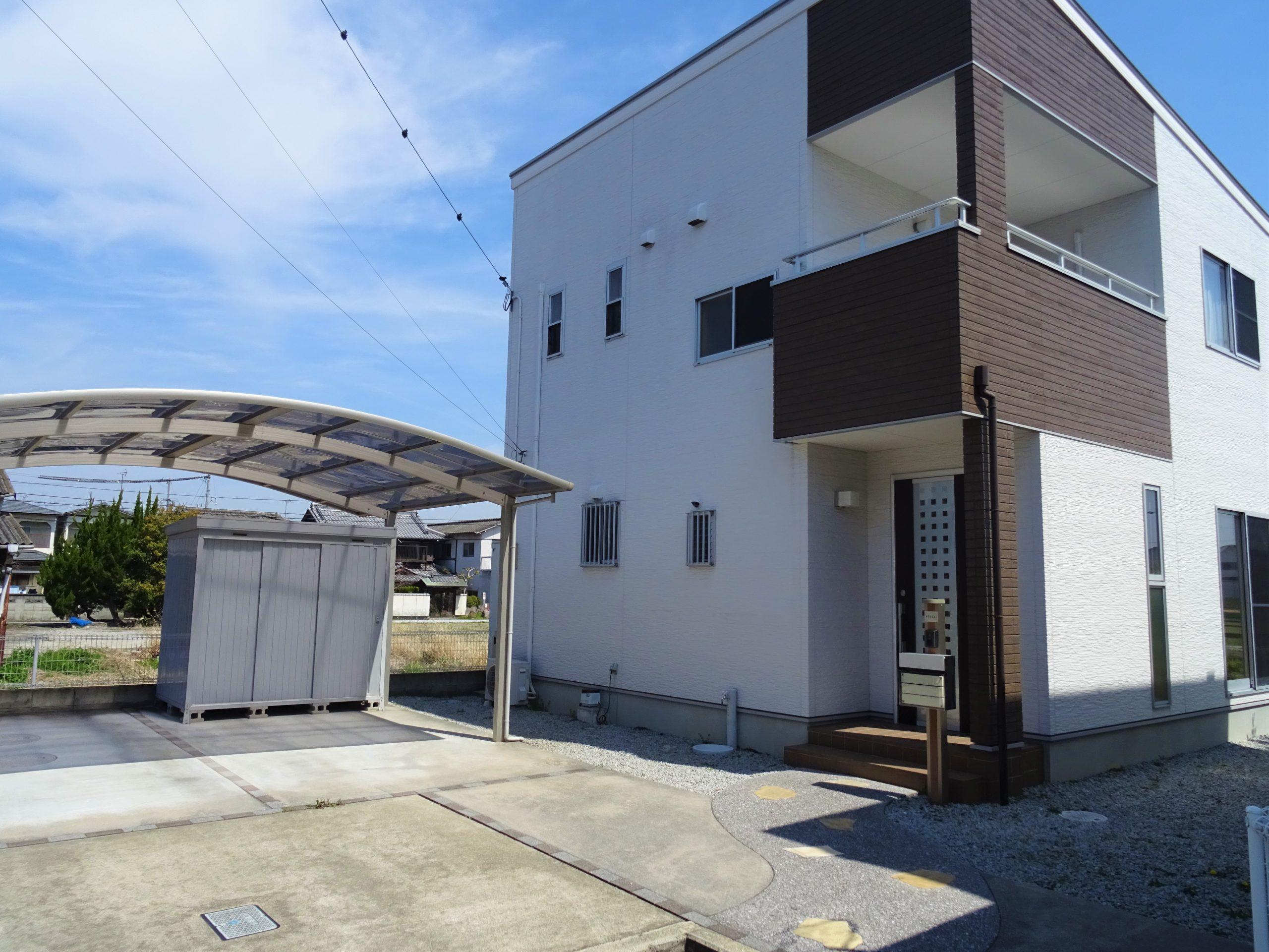 三木町平木 シンプルな造りのオール電化住宅